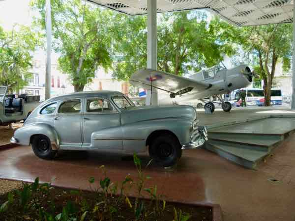 Vought Kingfisher with Old Pontiac Museum of the Revolution, Havana