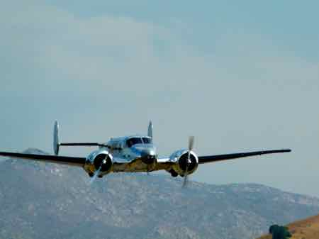 Beechcraft D18S (1946 ) - Twin Beech