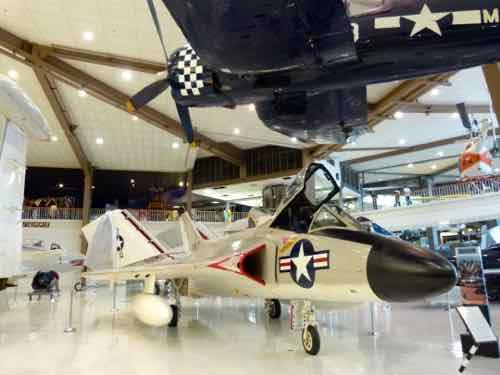 Douglas F4D-1/F-6 (B) Skyray